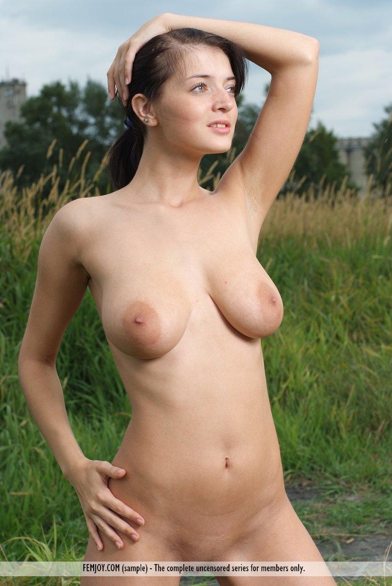 Beautiful naked girls gallery